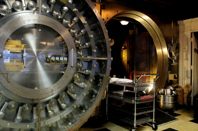 shaker vault 1