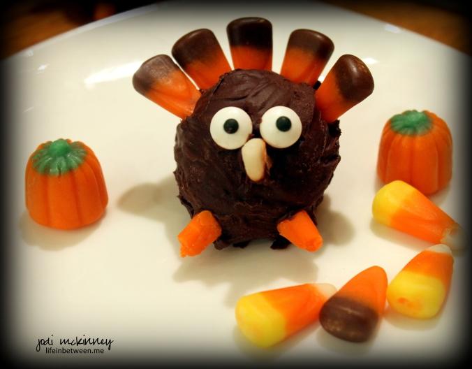 thanksgiving turkey oreo ball