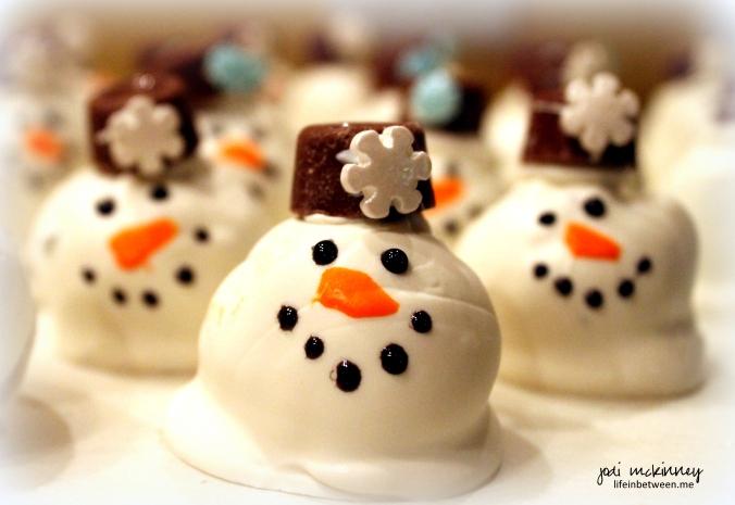 snowman oreo cookie balls 2