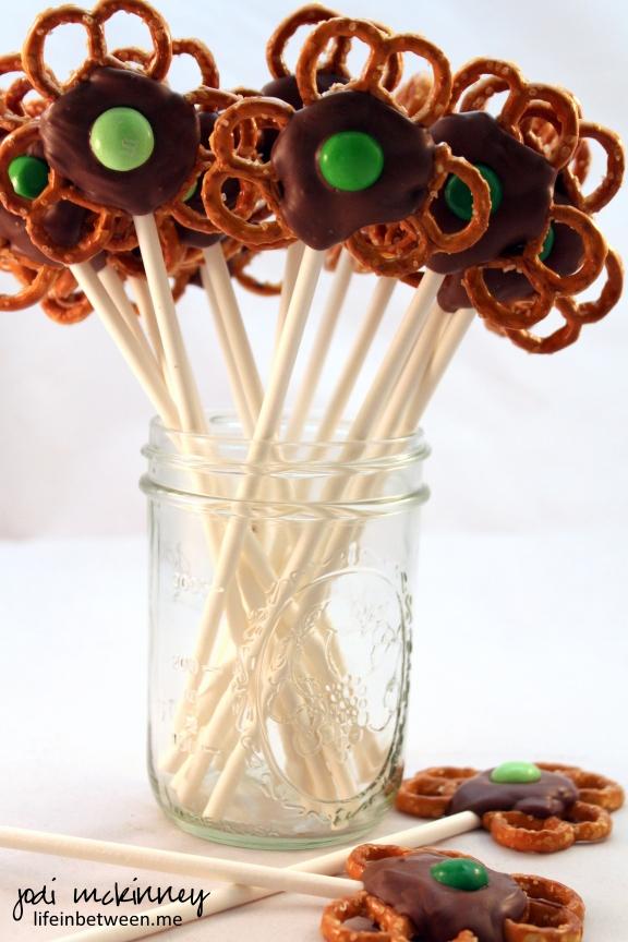Chocolate Pretzel Shamrock Pops. 2jpg