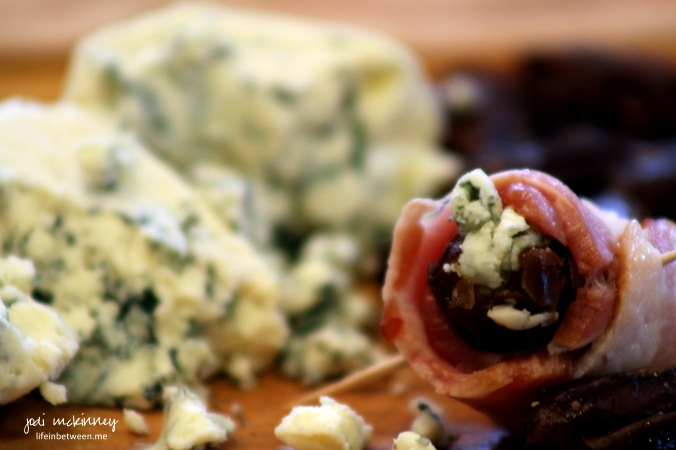 bacon wrapped blue cheese stuffed dates 2