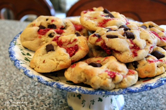 Fresh Raspberry Chocolate Chip Cookies Plated
