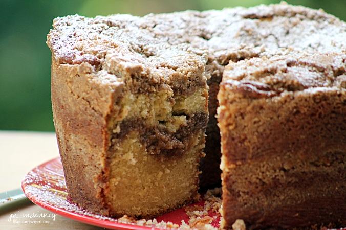 cinnamon creme crumb cake 3