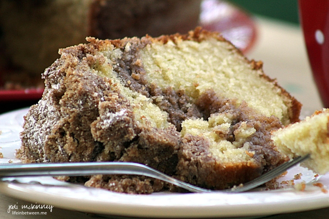 cinnamon creme crumb cake 4