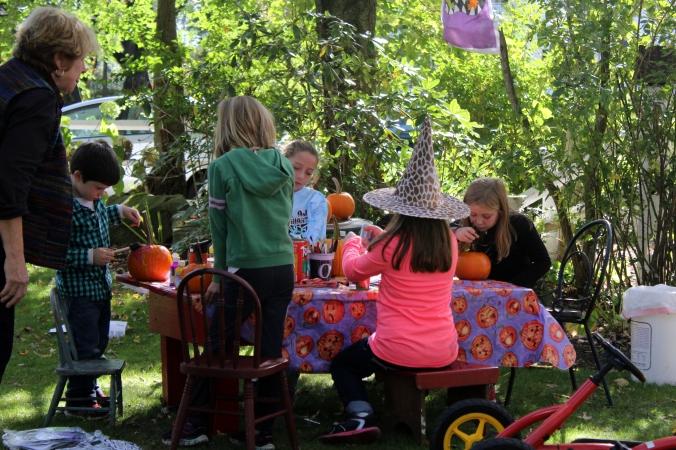 kf kids painting pumpkins