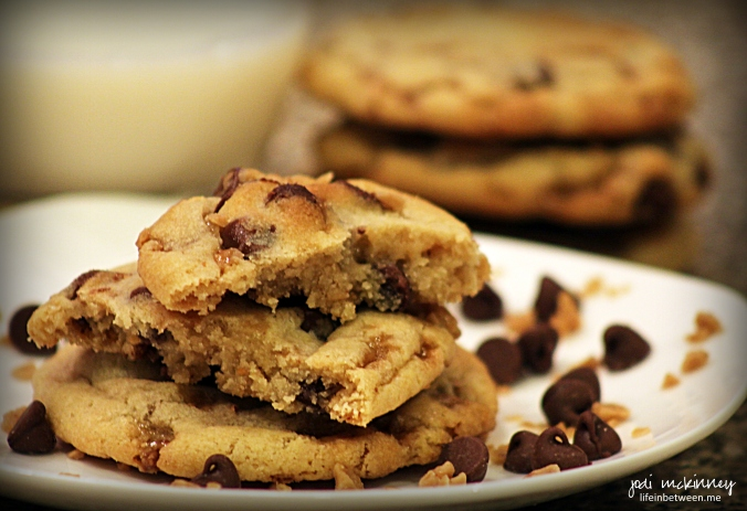 milk chocolate toffee chip cookies 3