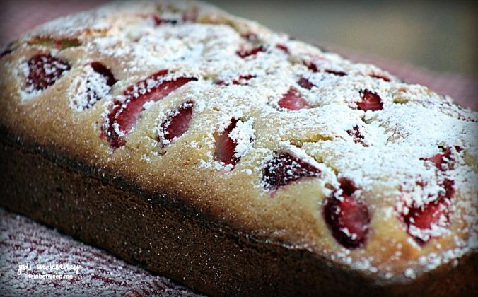 lemon strawberry pound cake 4
