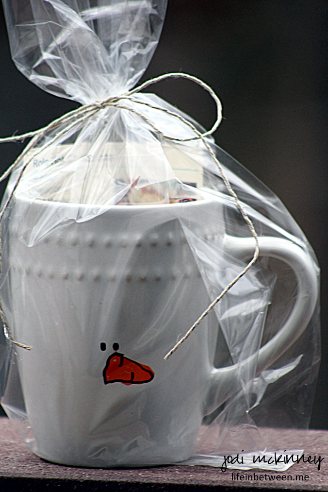painted snowman mug 2