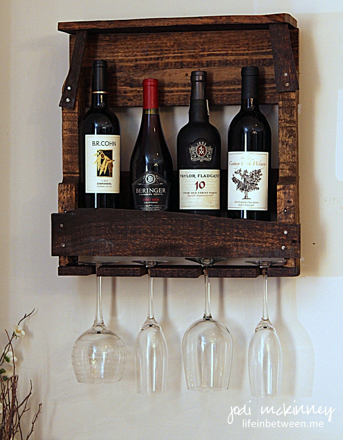 palet wine rack
