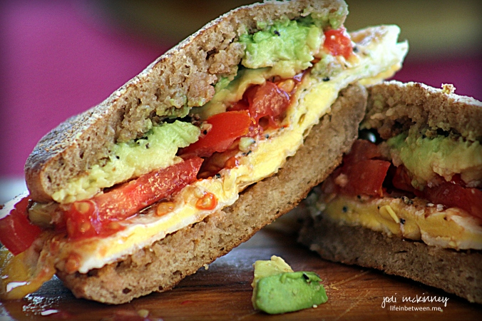 Breakfast Sandwich Egg tomato avacado 2