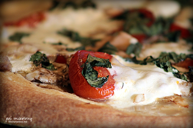 chicken caprese pizza