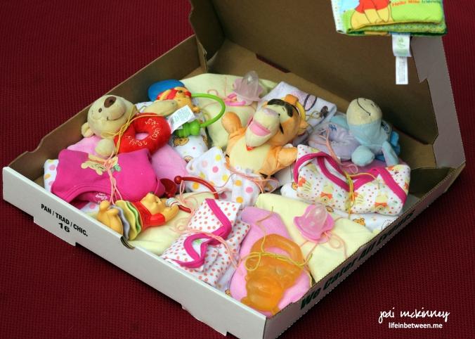 diaper pizza baby shower gift