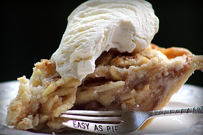 dutch apple pie slice alamode
