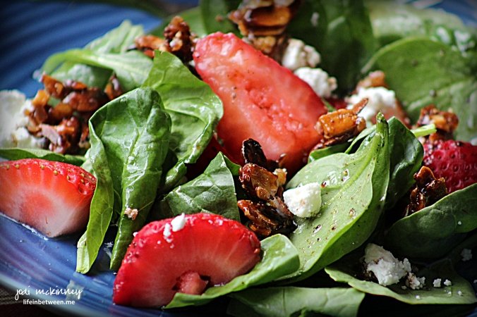 spinach strawberry salad with candied almonds and goat cheese 2