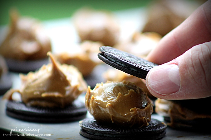 chocolate-covered-cookie-butter-stuffed-oreos-2jpg