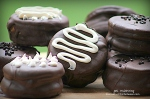 chocolate-covered-cookie-butter-stuffed-oreos-7