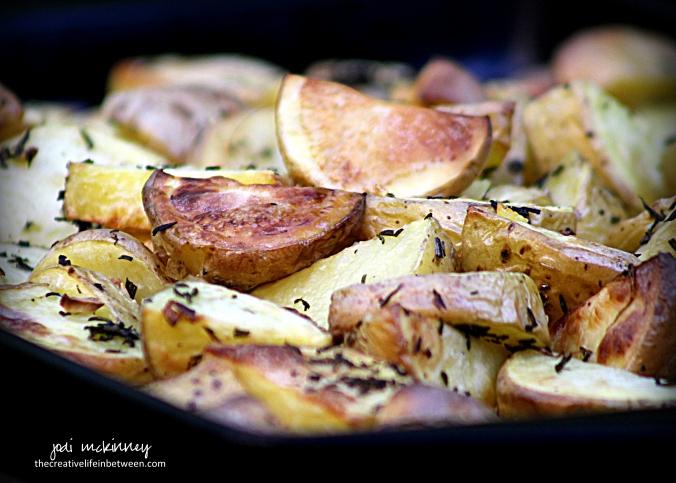 roasted-rosemary-and-garlic-yukon-gold-potatoes