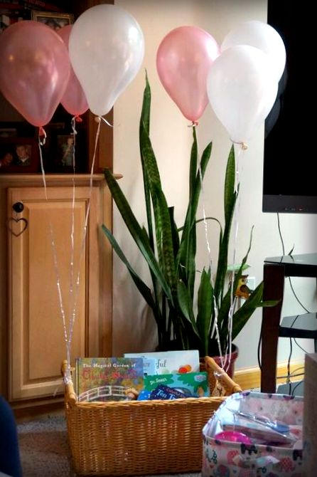 hot-air-balloon-baby-shower-book-basket