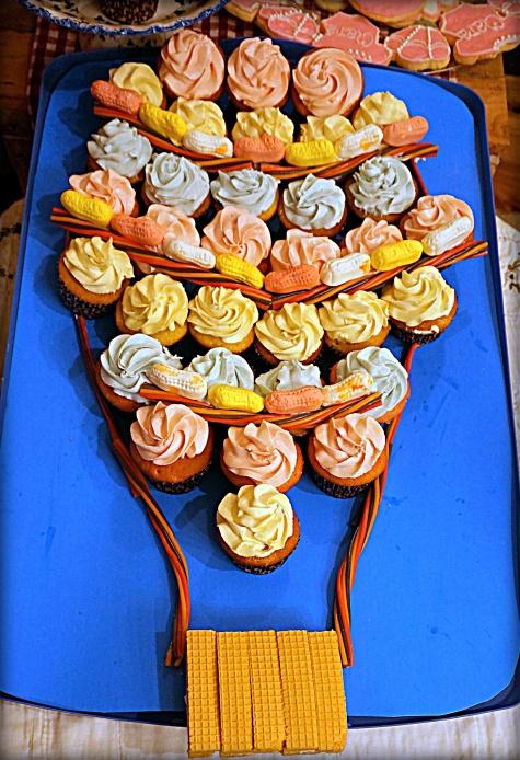 hot-air-balloon-baby-shower-cupcake-cake