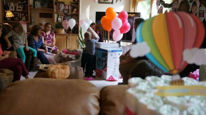 hot-air-balloon-baby-shower-hot-air-balloons
