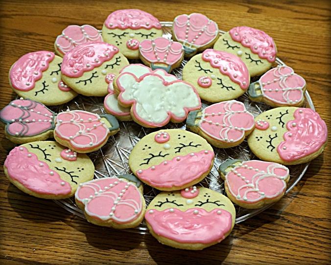 hot-air-balloon-girl-baby-shower-sugar-cookies