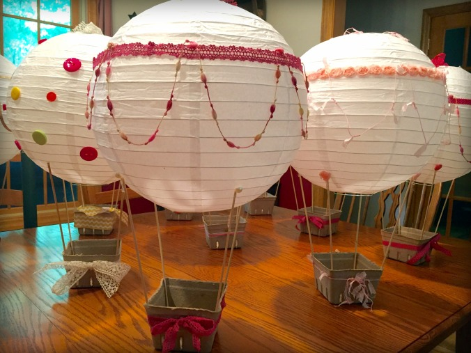 hot-air-balloons-for-baby-shower