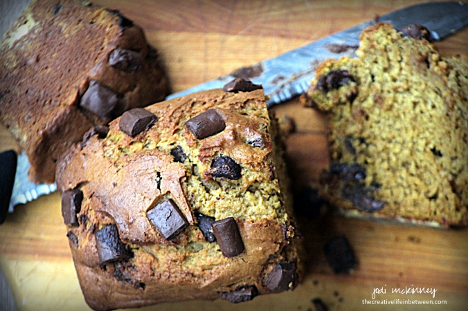 pumpkin-banana-chocolate-chip-bread-3