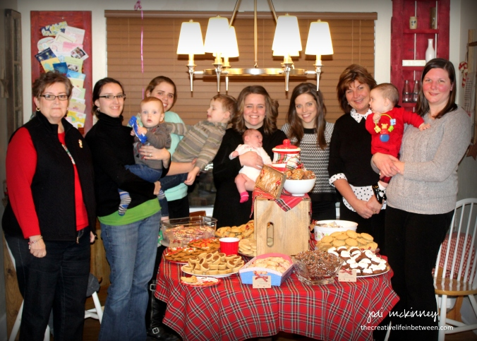 christmas-cookie-party-2016-group-photo
