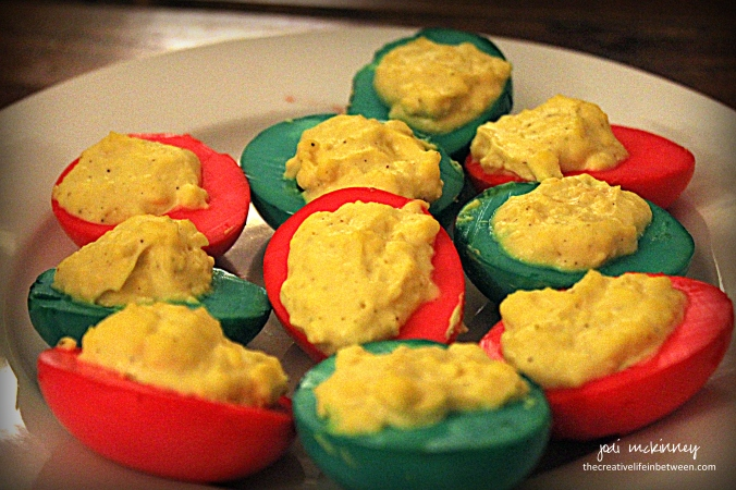 christmas-cookie-party-2016-red-and-green-deviled-eggs
