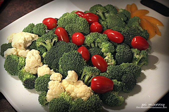 christmas-cookie-party-2016-vegetable-tray-tree