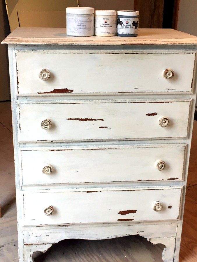 dresser-after-chalk-paint-and-wax-1