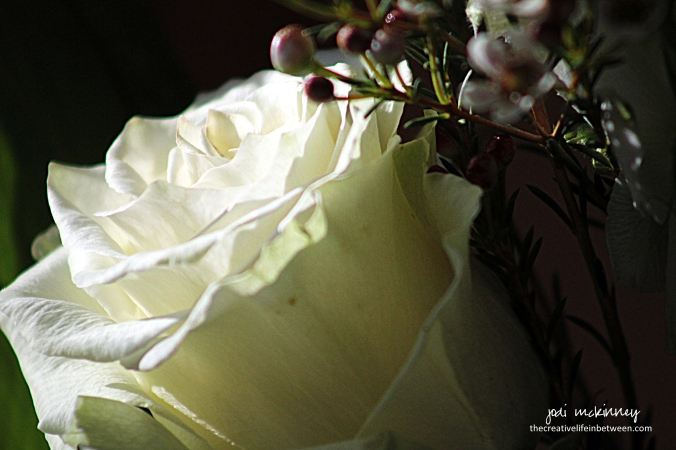 white-rose-bereavement-bouquet