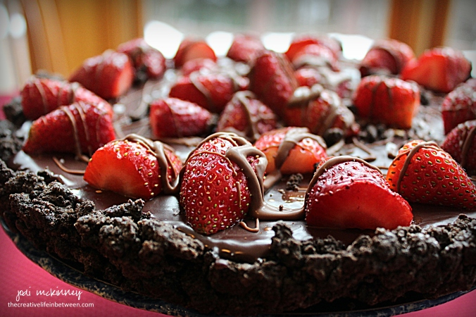 chocolate-strawberry-tart-valentines-day-couples-camp-dessert