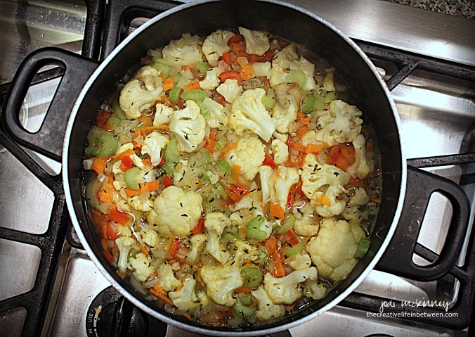 creamy-cauliflower-soup-1