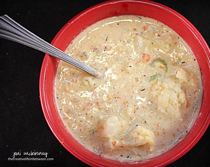creamy-cauliflower-soup-3