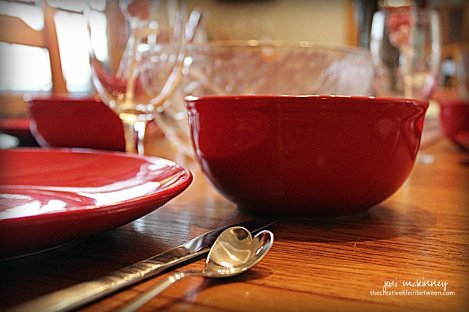 dining-room-set-for-valentines-day-couples-camp-2017-heart-spoons