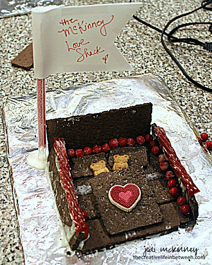 mckinney-love-shack-valentines-couple-camp