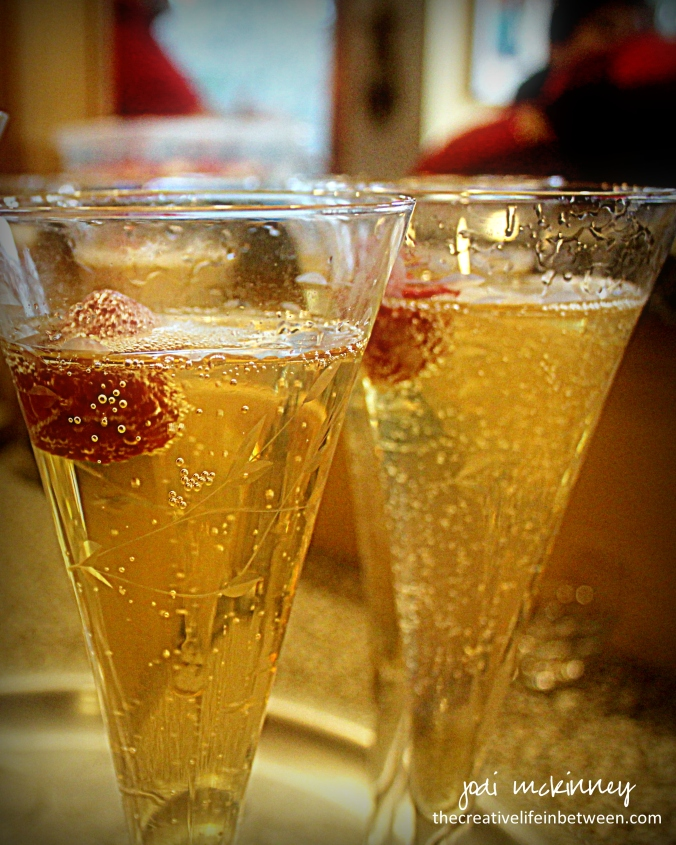 valentine-love-potion-couples-camp-cocktail-grand-marnier-peach-and-raspberry-and-champagne