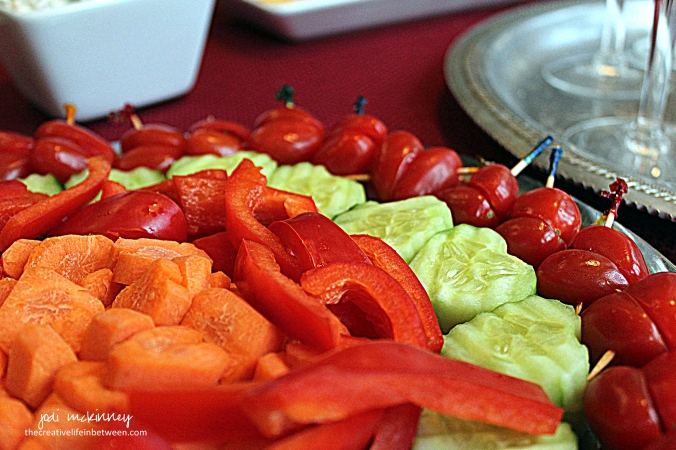valentines-day-couples-camp-heart-shaped-vegetable-tray-appetizer