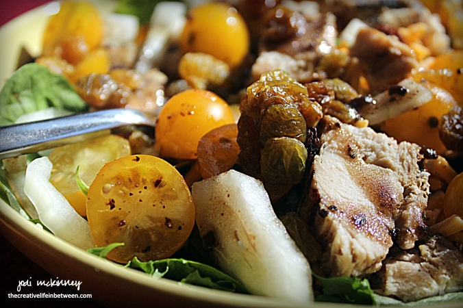 yellow-and-green-spring-mix-grilled-chicken-salad-3